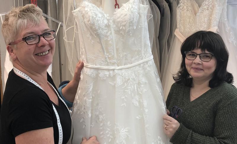Brautkleid Umnahen Lassen In Haltern Am See Service